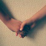 手を繋ぐタイミングは焦らず探りを入れながらが成功の秘訣!